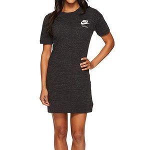🎉 Nike Women's Vintage Gym Dress Sz. M 🎉